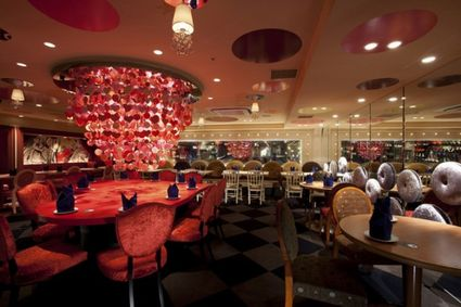 Alice-in-wonderland-restaurant6-620x413