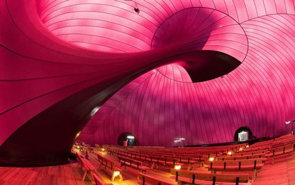 Inflatable-concert-hall-designboom-03